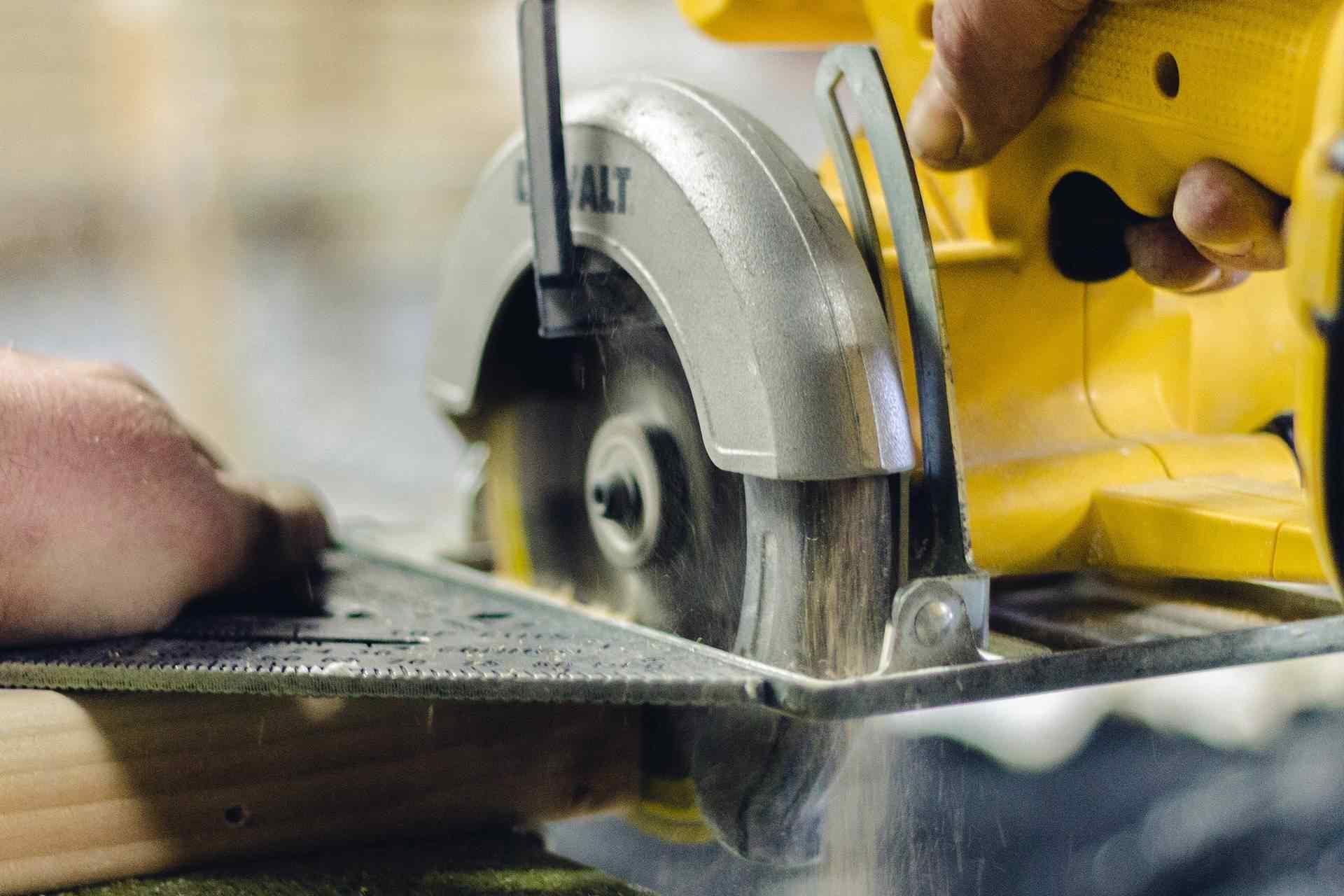 Maquita 18V LXT Brushless 6-1/2″ Circular Saw