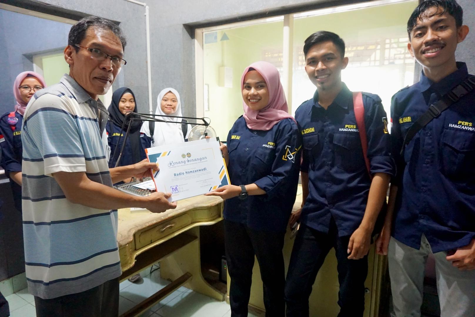 Pers Mahasiswa UNHAM Jalin Sinergi Dengan Radio Hamzanwadi