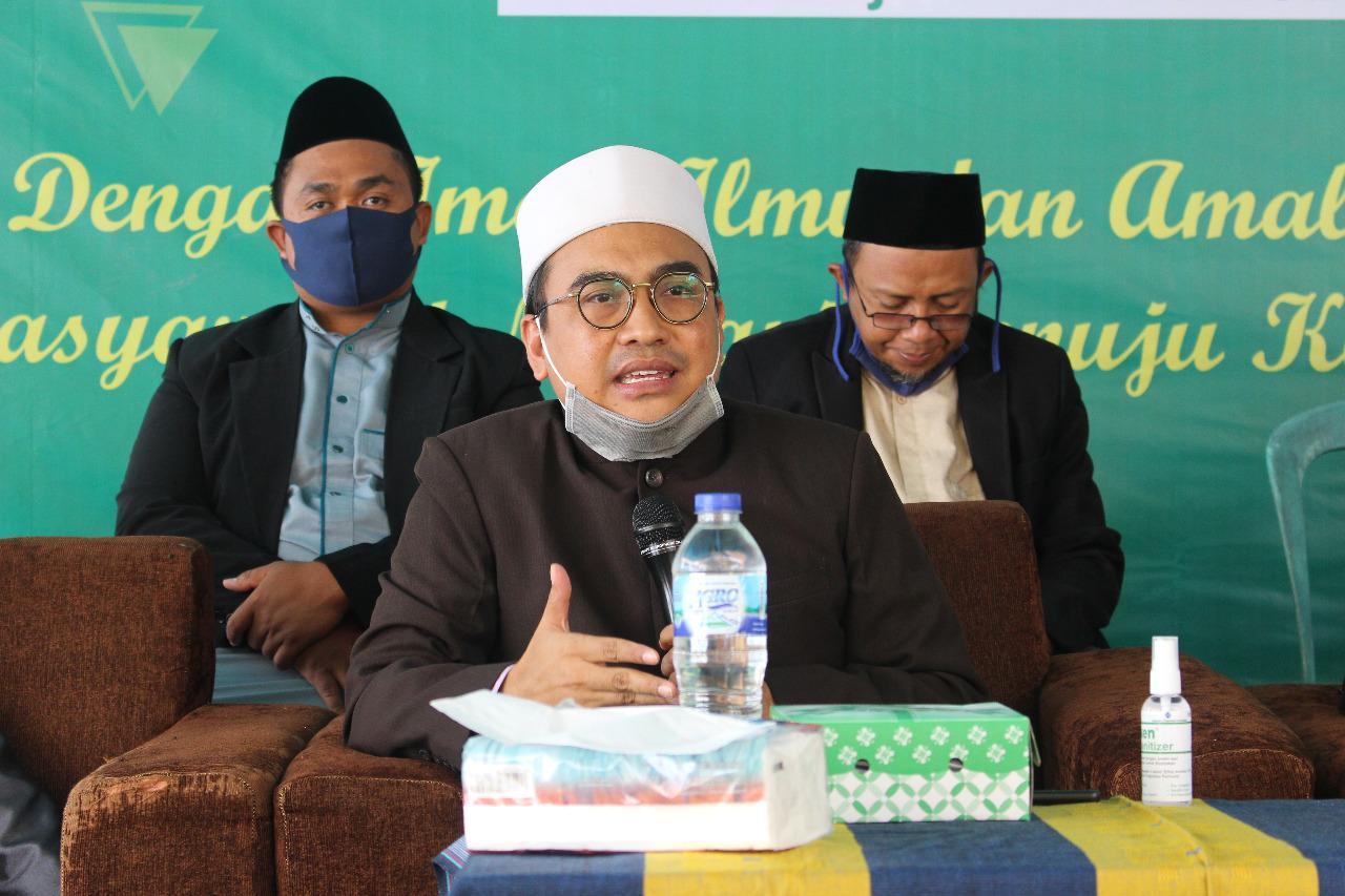 Pimpinan Ponpes Al-Madani Lombok Sampaikan Pesan Perjuangan untuk Walisantri Baru