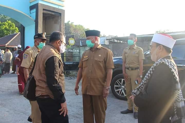Positif Covid-19, Santri Al-Madani Do'a Bersama untuk Bupati Lombok Timur